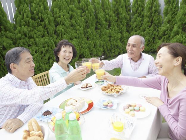 老人ホームや介護施設って一体相場いくらなの?費用を徹底調査!